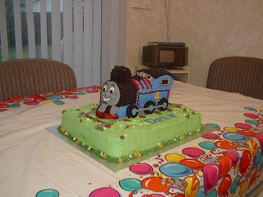 Thomas The Tank Wilton Train Cake Pan Used Sitting On A 9x13