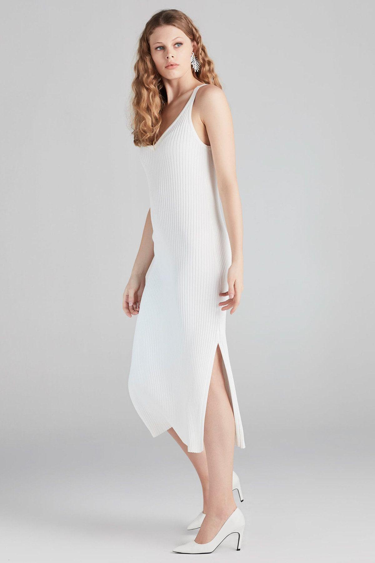 Kadin Kirik Beyaz Elbise Is1180002432 Ipekyol Trendyol Elbise The Dress Moda Stilleri