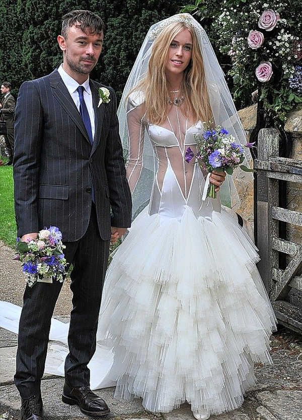 The bridal notebook top 20 ugliest wedding dresses ugly for The notebook wedding dress