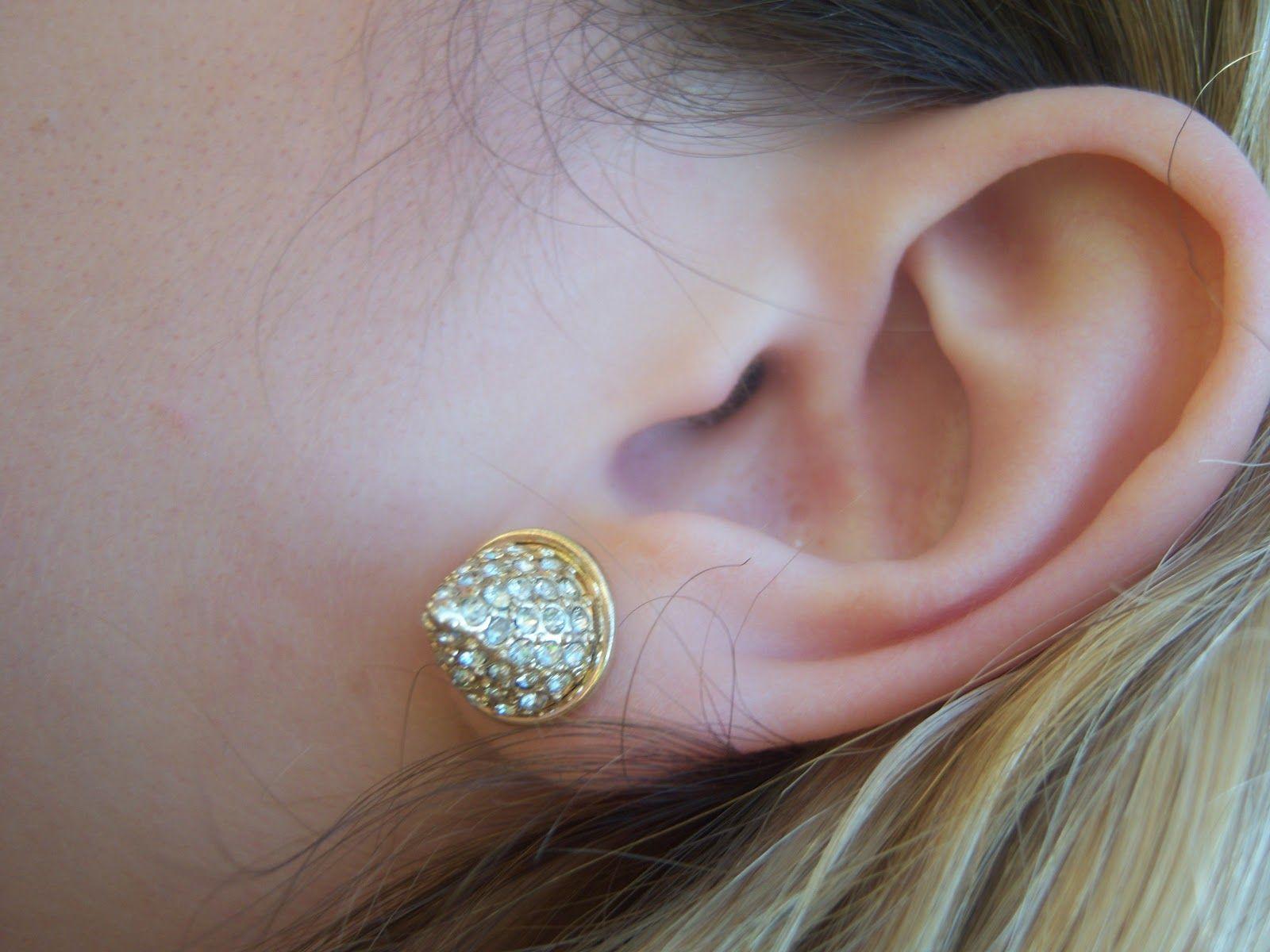 Little Black Bag: All the Rage - Pyramid Stud Earrings