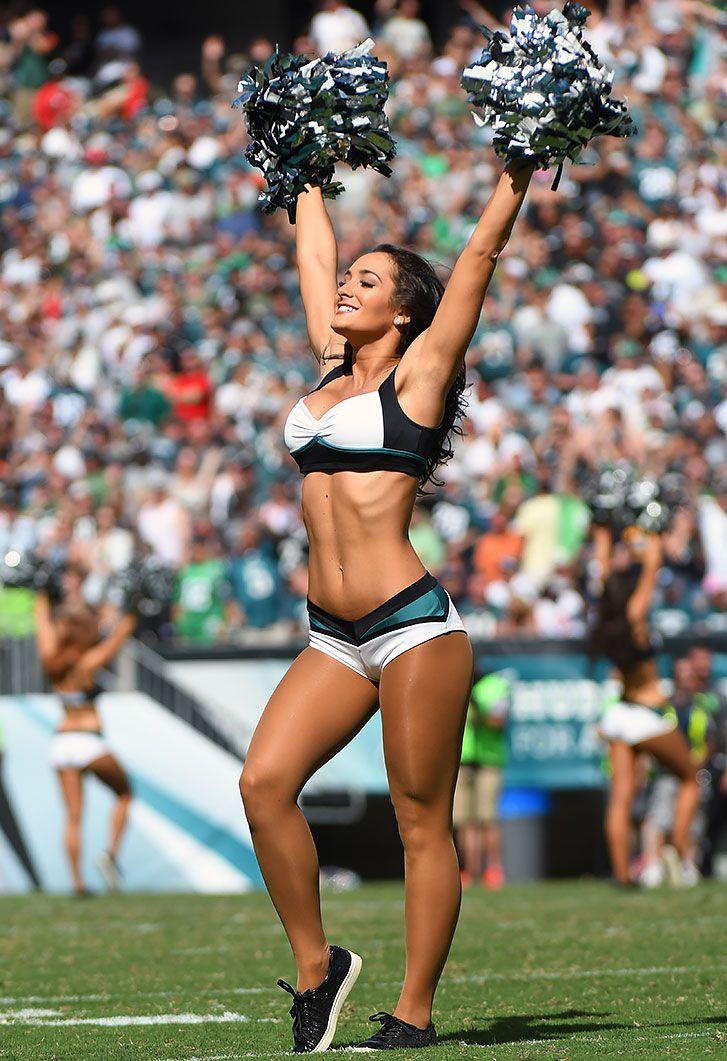 eagles-cheerleaders-naked