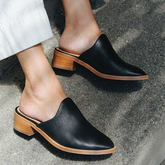 f0928902e9663 Soludos Venetian Mule | style in 2019 | Shoe boots, Shoes, Heeled mules