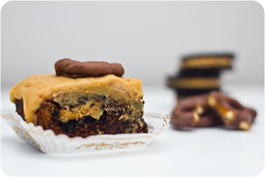 Peanut Butter Oreo Pretzel Brownies