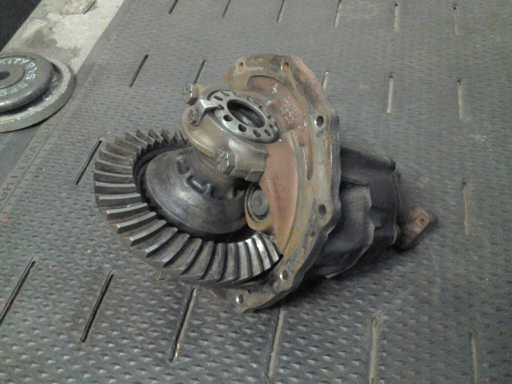 Ford 9 Inch Rear End Third Member Differential 3 00:1 Ratio