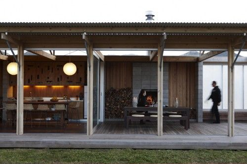 concrete block fireplace | 34b5e concrete blocks fireplace L shaped beach house interior4 500x333 ...