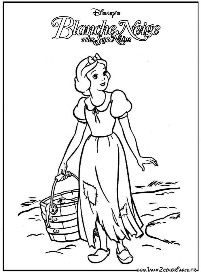 coloriage Blanche-Neige va chercher de l'eau au puit | Coloriage blanche neige, Pages de ...
