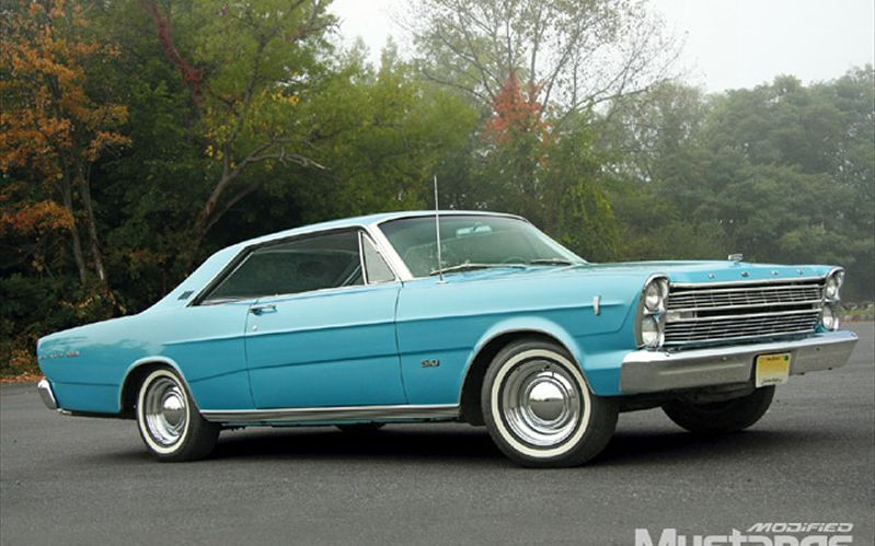 1966 Ford Galaxie 500 My 2nd Car Mine However Was Painted Dark Metallic Blue With A Black Vinyl Roof Ford Galaxie 500 Ford Galaxie Galaxie