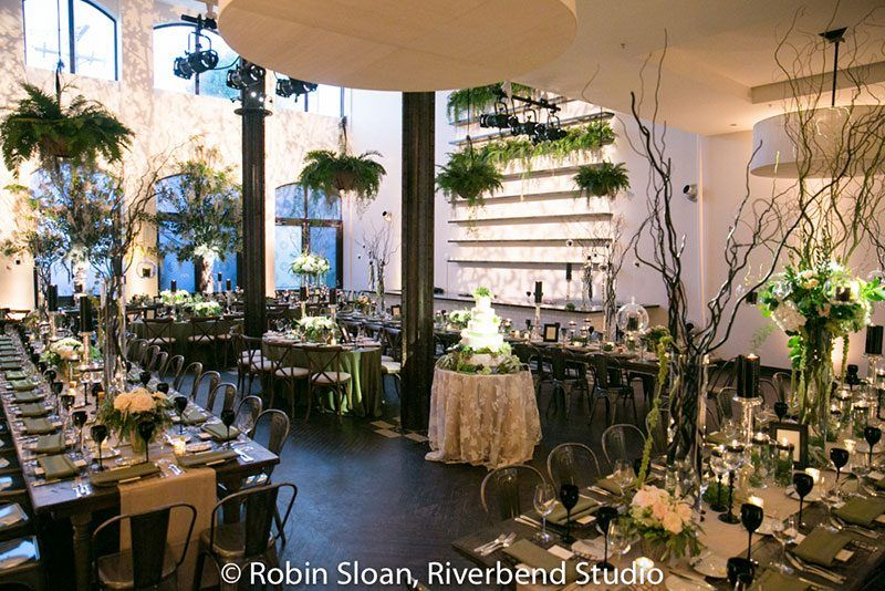A super chic greenery wedding in the heart of Chicago