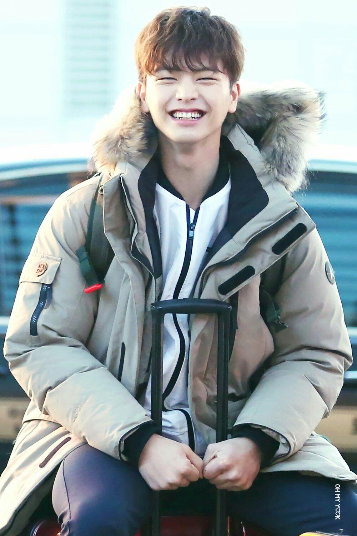 Look how cute Sung Jae is | Yook - 171.7KB