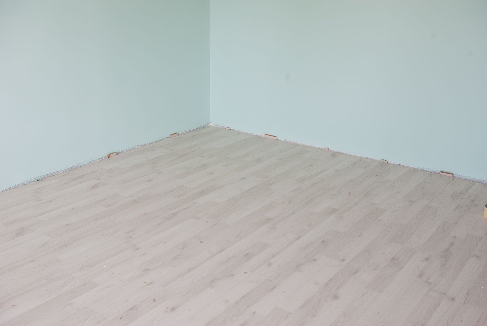 This Article Is About How To Lay Laminate Flooring On Concrete Laying Boards Easy If You Use Underlay And Read Our Step By