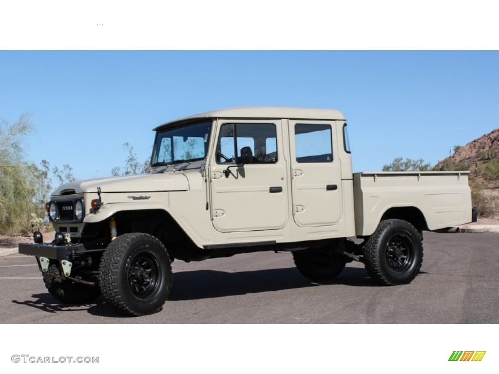 1963 Land Cruiser Fj45 Pickup Tlc Restomod Beige Black Photo 3 Toyota