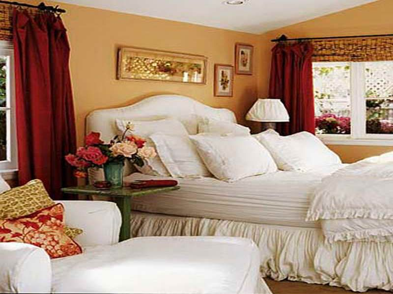 Cottage Bedroom Decorating Ideas with red curtains