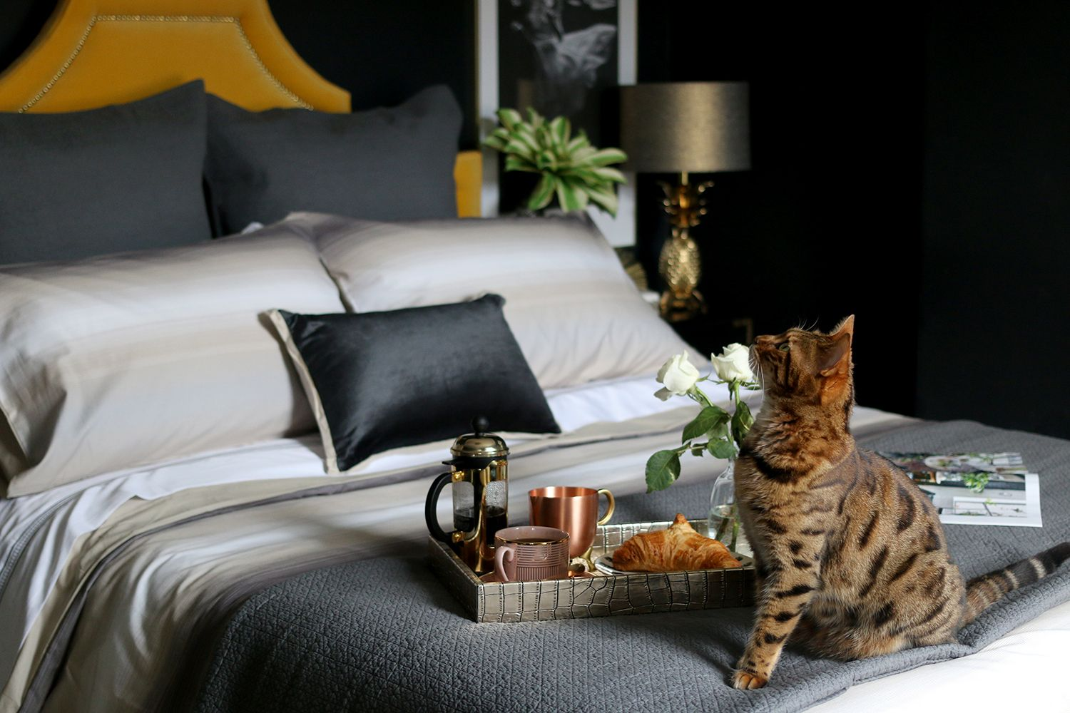 Slaapkamer Hotel Look : How to get the luxury hotel look at home bedroom decorating