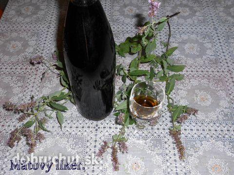Domáci mätový likér