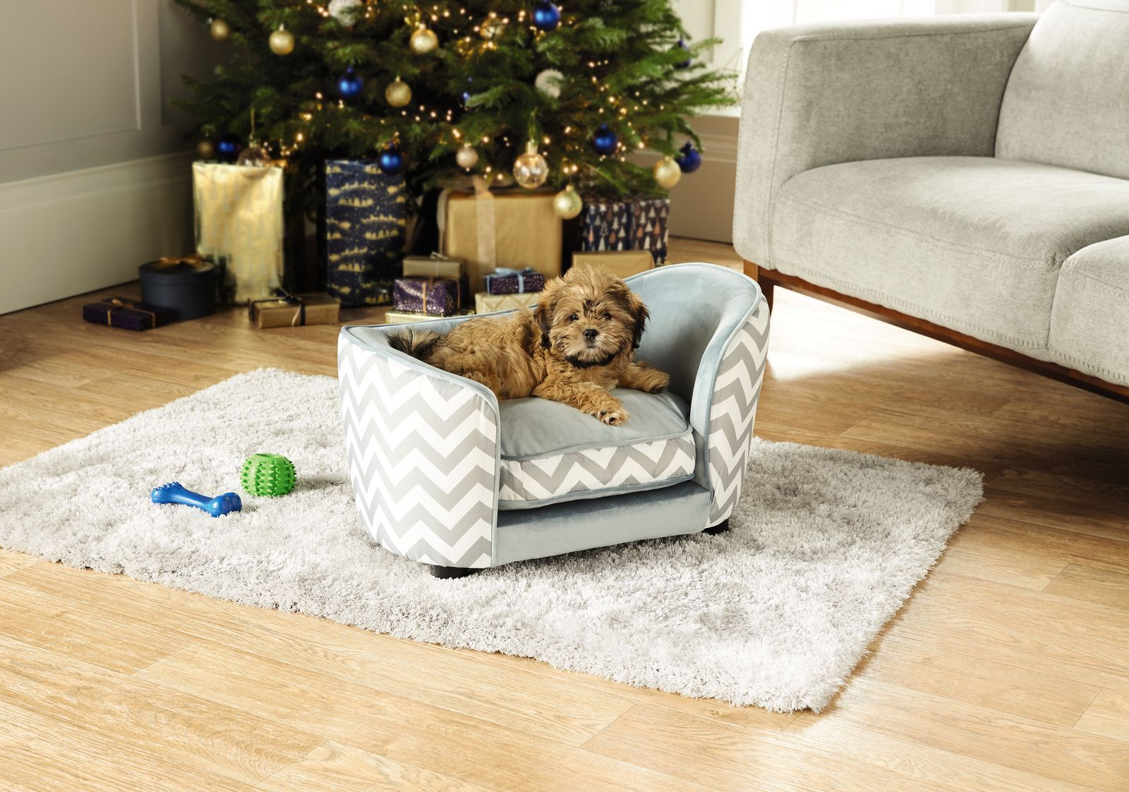 Treat Your Dog To Aldi S Stylish Pet Bed This Christmas Mini