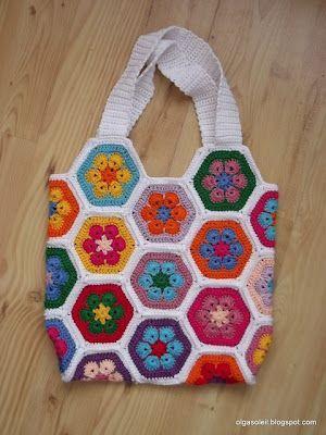 Patrón de ganchillo para bolso con flor.