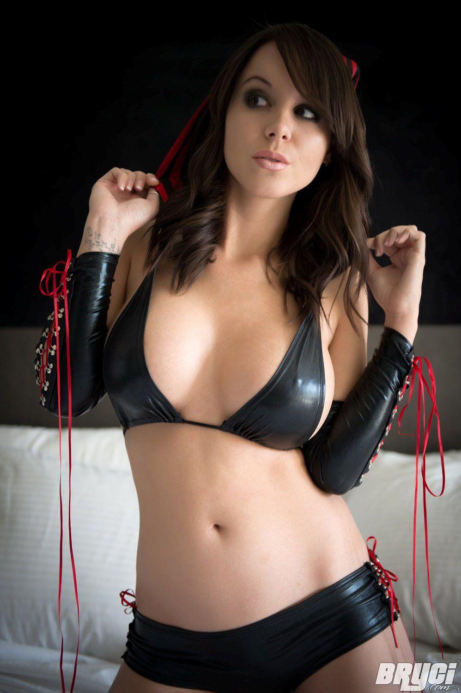 Free hot mature brunett porn pics