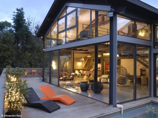 D couvrez les 50 plus belles maisons de vacances en france for Extension maison verre