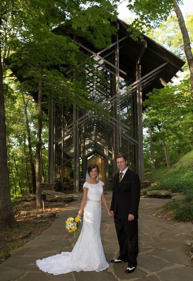 Thorncrown Chapel Wedding In Eureka Springs Arkansas