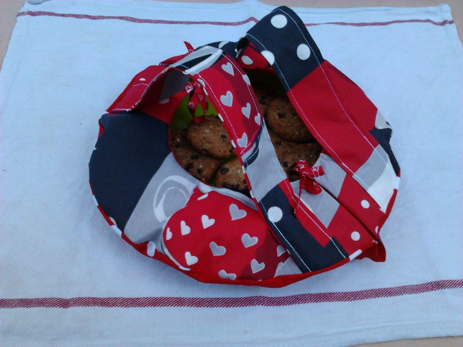 tuto et patron du sac tarte rond bienvenue sur le blog du couture sac tarte couture. Black Bedroom Furniture Sets. Home Design Ideas