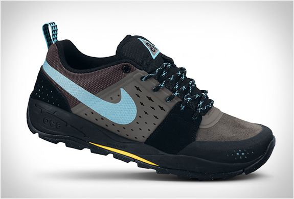 buy popular 7d567 468b0 Nike ACG Oze Mid GTX - SneakerNews.com   Sneakers   Nike acg, Nike, Sneakers