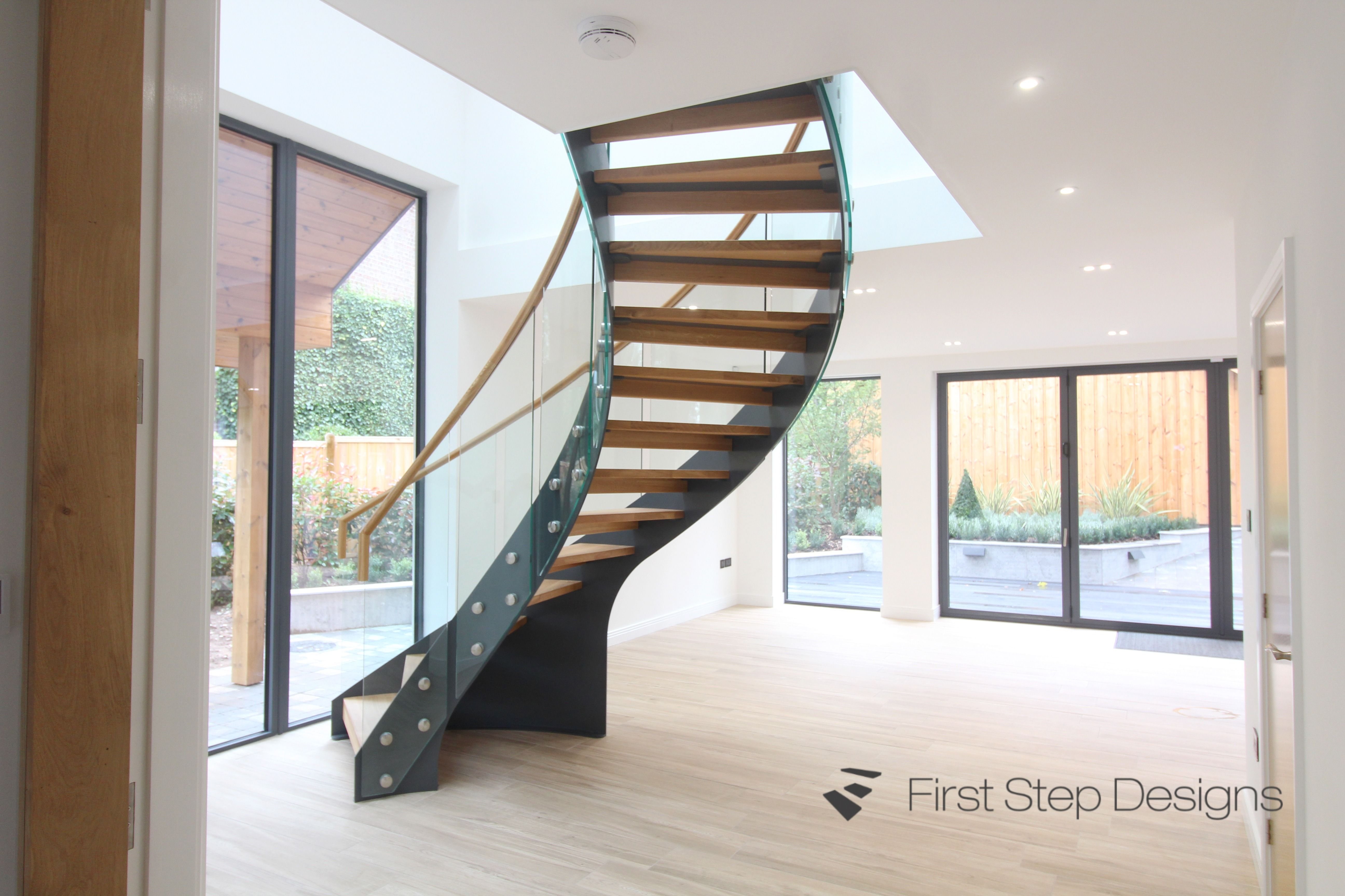 Best Metal Oak And Glass Curved Staircase Curved Staircase 400 x 300