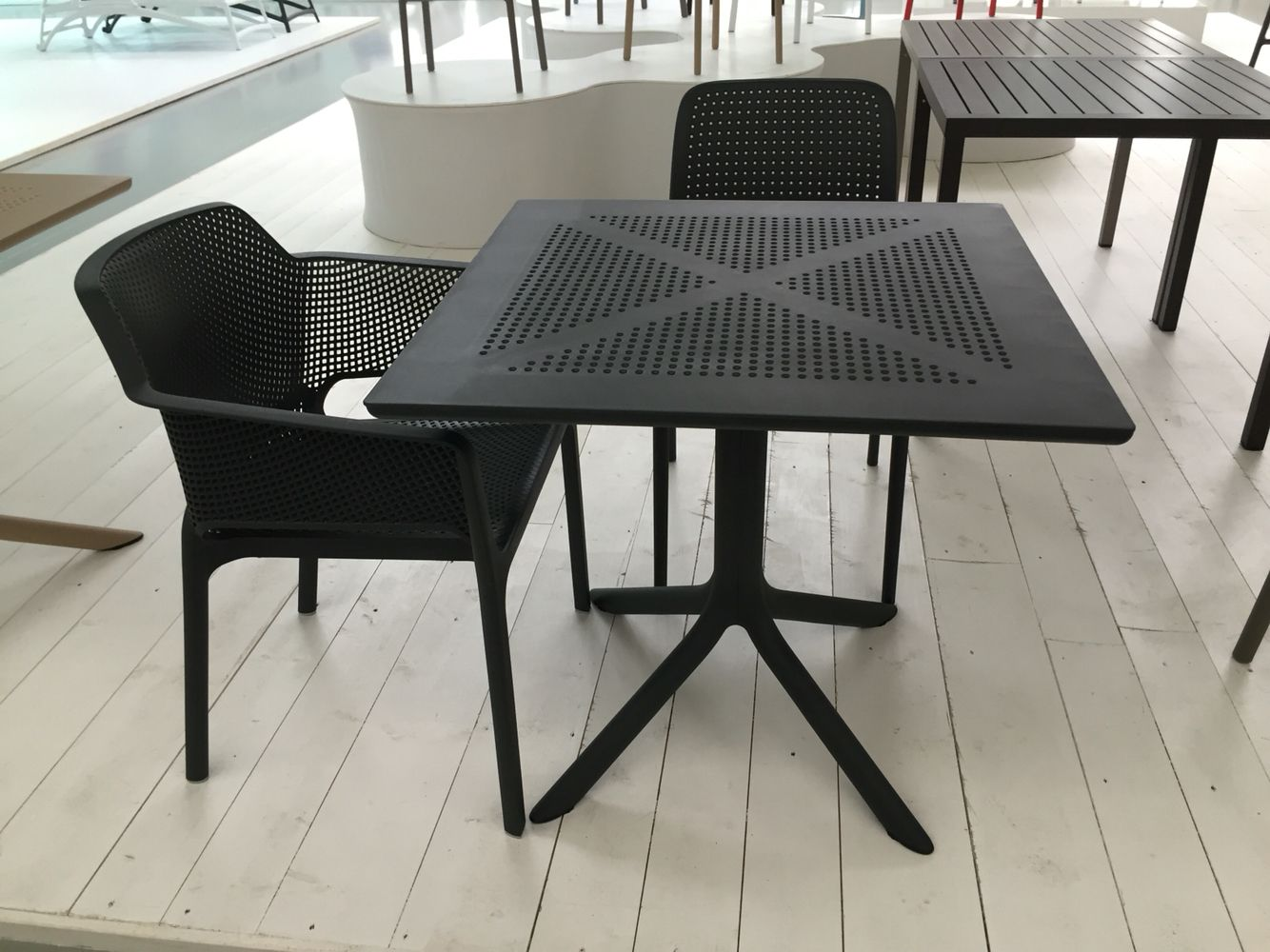 New Nardi clip table with net chairsBalcony Furniture