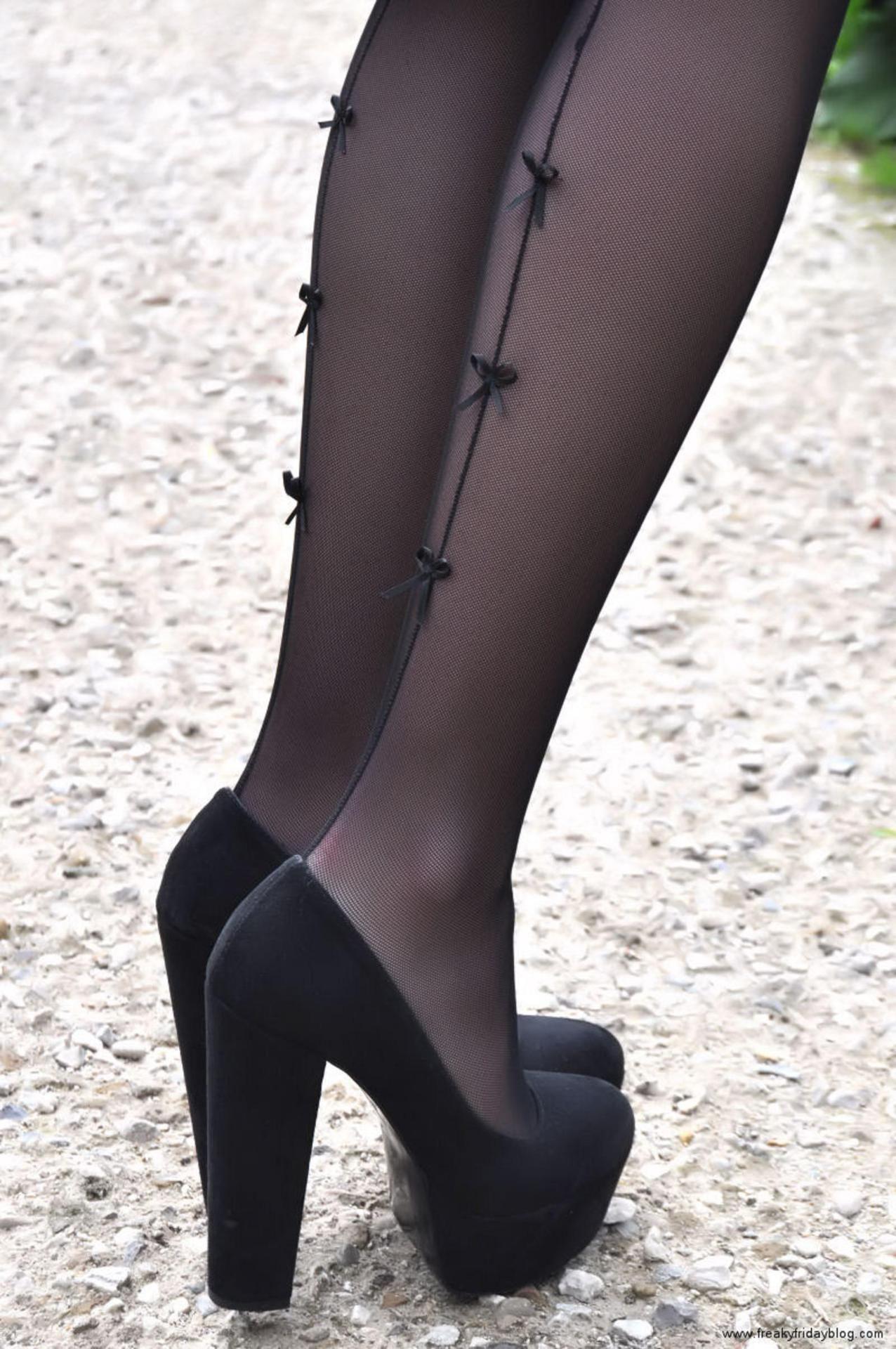 Pantyhose and platform shoes