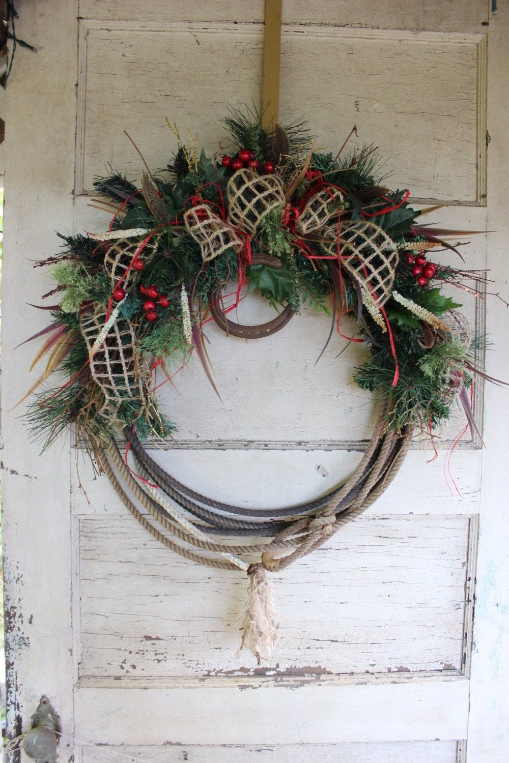 Western Lariat Rope Christmas Wreath With Horseshoe  Rustic Cowboy  Christmas  Burlap Bow, Country