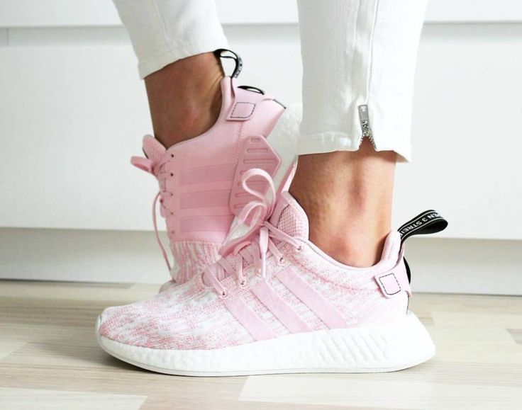 Adidas NMD pink white Photo by: its.julka | Instagram
