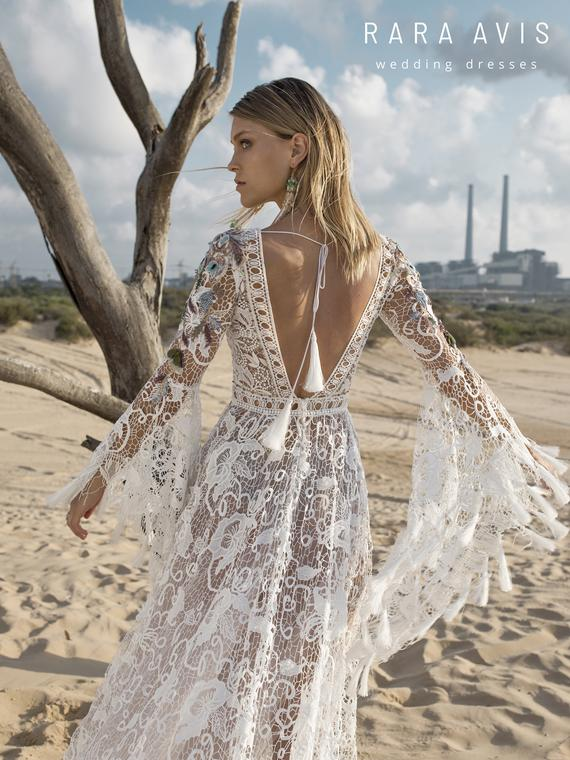 Boho wedding dress KORTAL with long train • Wedding dress with long train • – beraber yaşlansak olur mu?