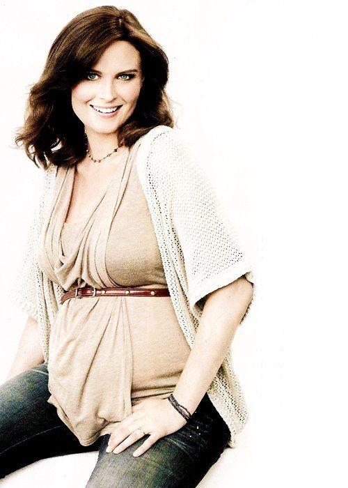 Ahw pregnant emily. Emily Deschanel #dramatictvactress ...