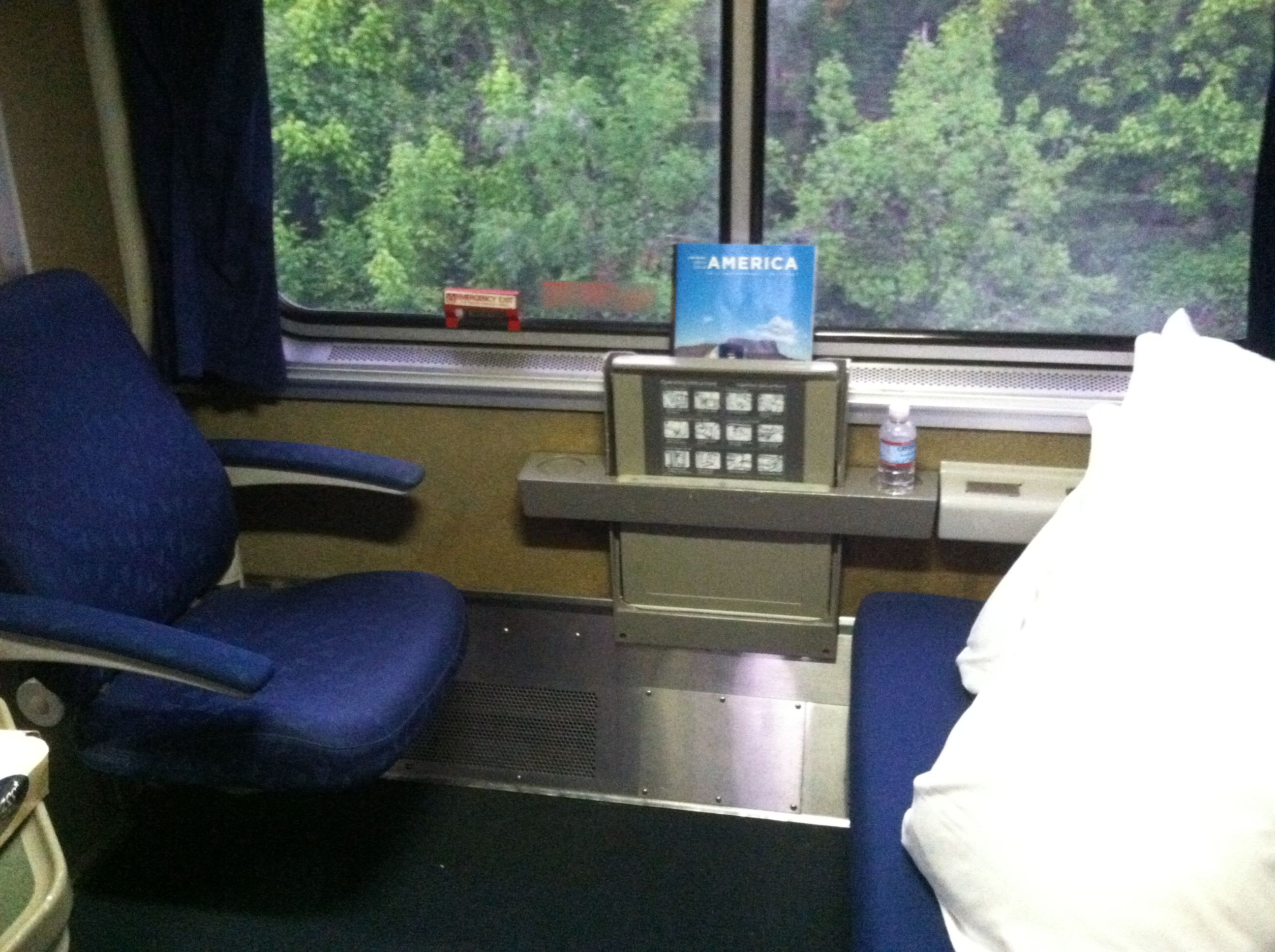 Amtrak Bedroom Image Review