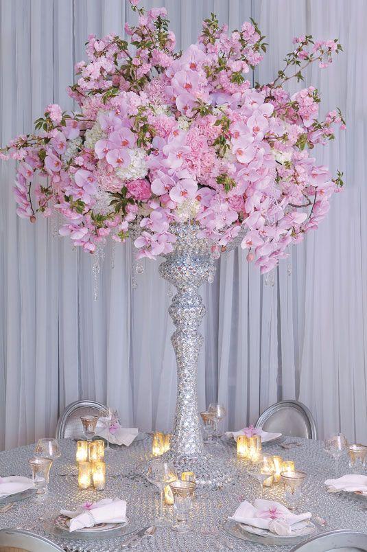 12 of the Most Over-the-Top Flower Arrangements We\u0027ve Seen This Week - decorar jarrones altos