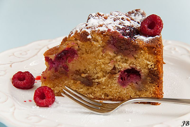 Carolines blog: Krokante cake met frambozen en bitterkoekjes