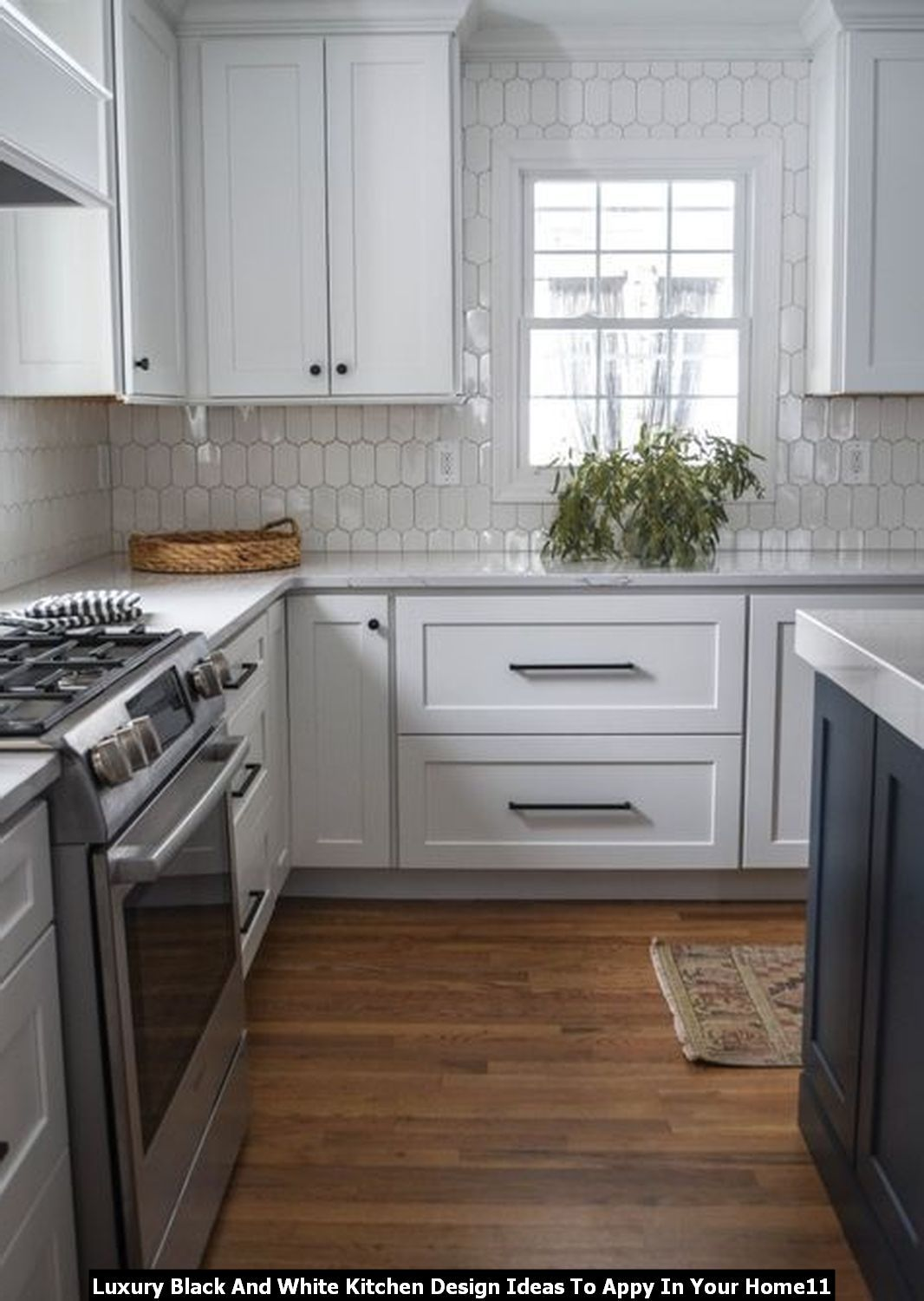 Adorable Luxury Black And White Kitchen Design Ideas To Appy In Your Home In 2020 White Kitchen Design Kitchen Design Cottage Style Kitchen