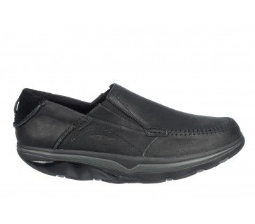 6868b4ff8193 The MBT Baraka Black is a casual men s slip-on loafer. The unique  multi-layered sole and Masai sensor emulates the feeling of walking on sand.