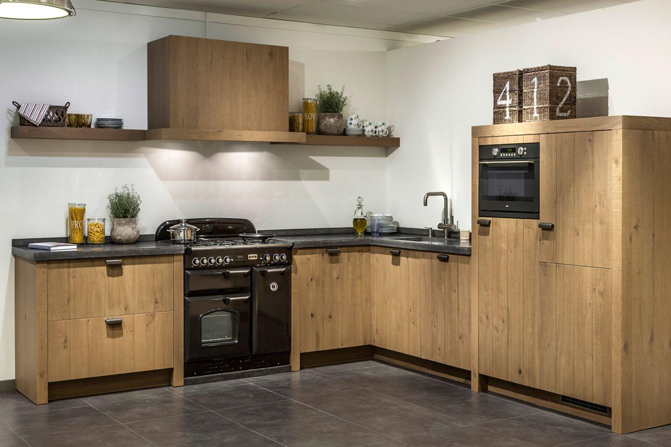 Houten Keuken Beton : Houten keuken met robuust betonnen werkblad db keukens