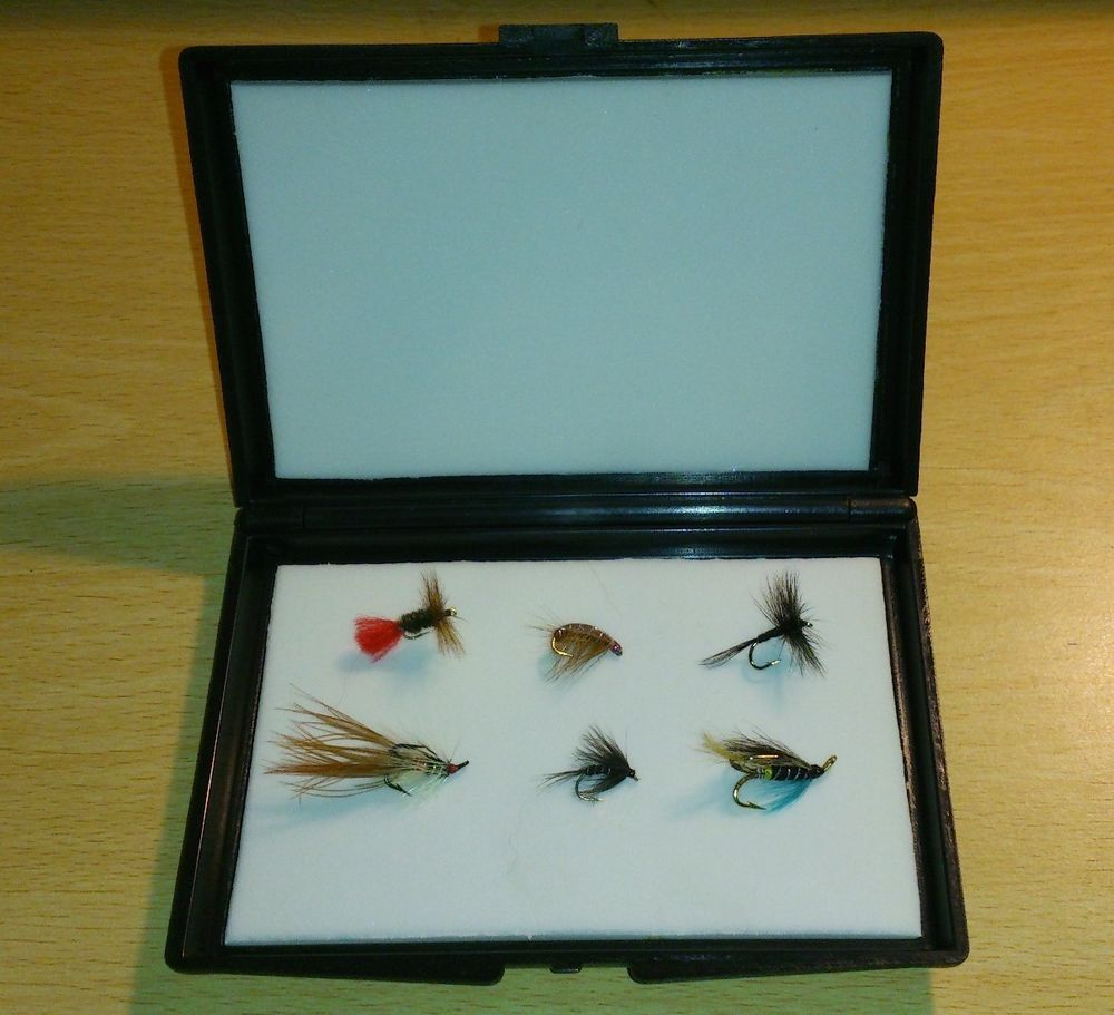 "Derwent Fly Box Large 6.5"" x 4.5"""