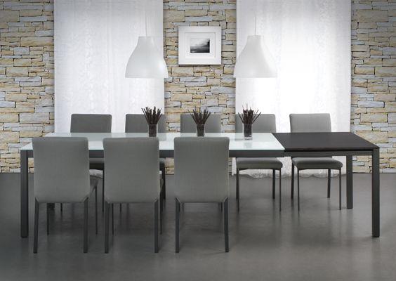 Brindisi Table With Mancini Chairs: Anthracite, Dark Zebra, White Glass.