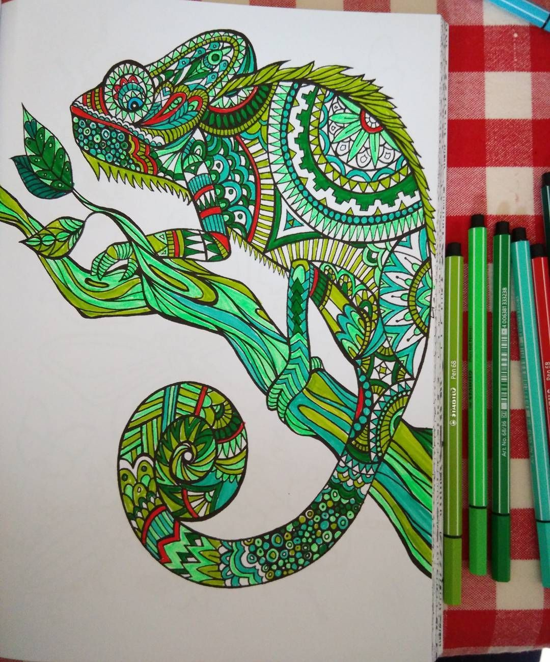 Mon iguane_ #iguana #bestiaireextraordinaire #100coloriagesantistress #coloriageadulte #coloriageantistress #stabilo68