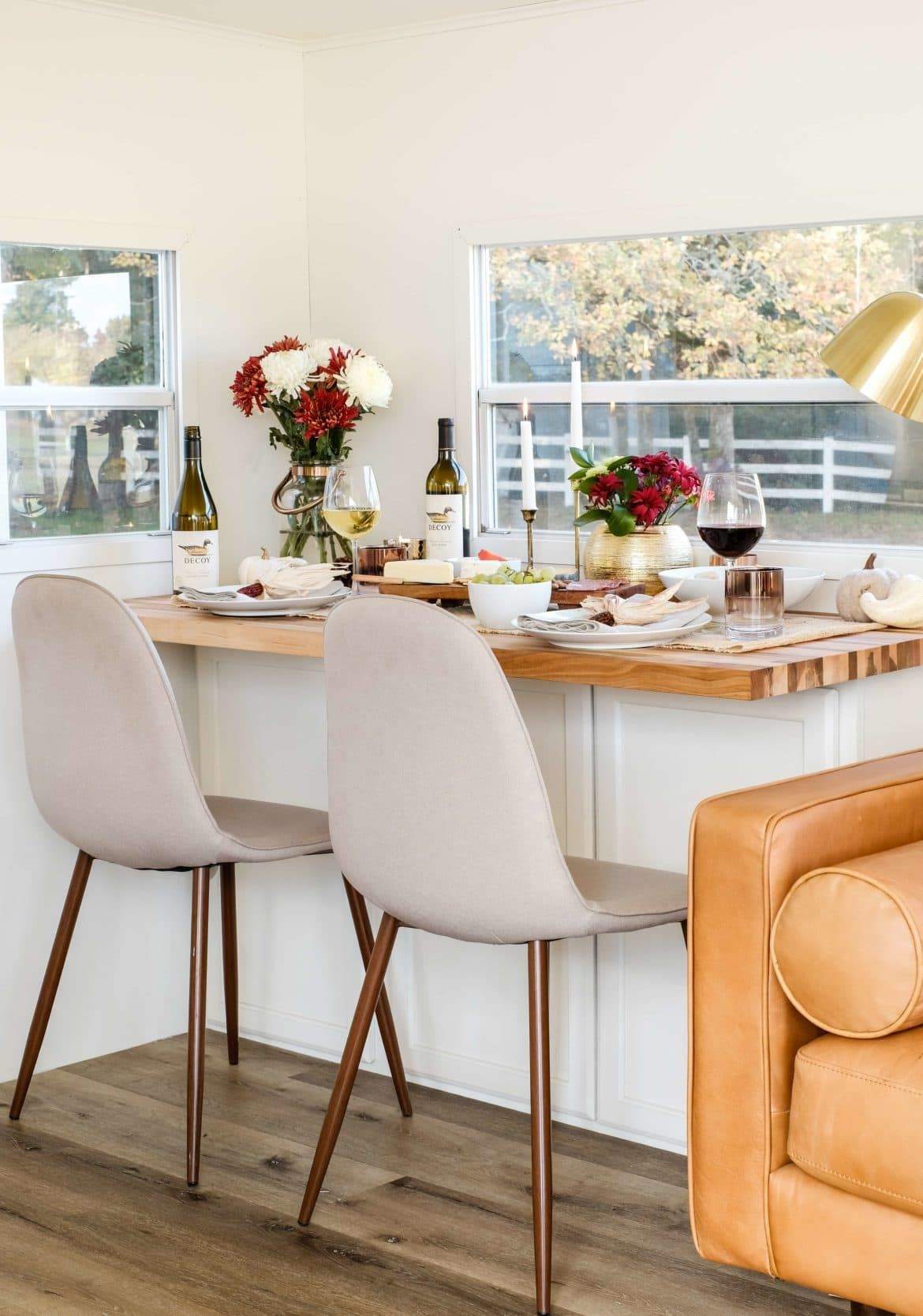 Thanksgiving Dinner Table In A Small Space   5 Decor Tips