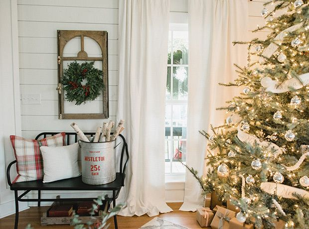 See How HGTV Stars Chip & Joanna Gaines Decorate For The Holidays