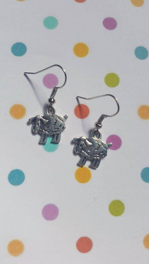 Sheep earrings, Sheep jewellery, Dangle earrings, Sheep, Nature, Natural, Animals, Wildlife, Farm animals, Farmer gift, Sheep gifts