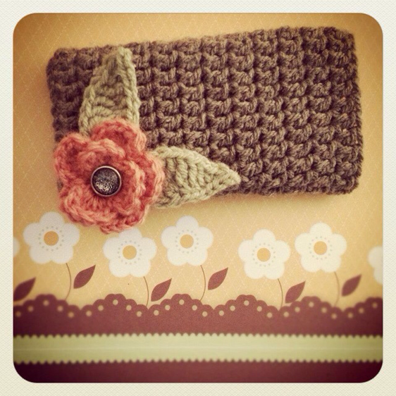 Create a Pretty Crocheted Phone Cover | Guidecentral