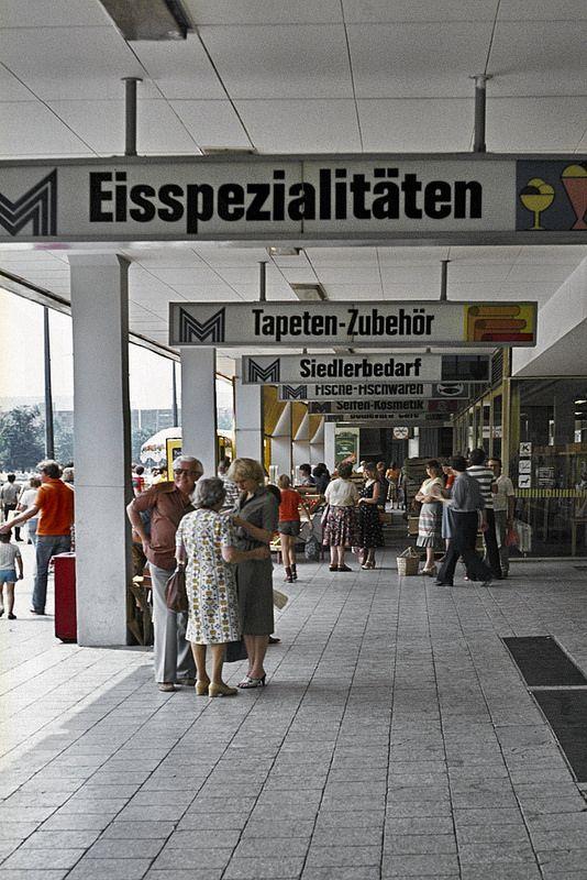 Berlin, Markthalle, Mitte, 1982 - © by Osvaldo Amari & Judith Wilsky   by Tumbalalaika