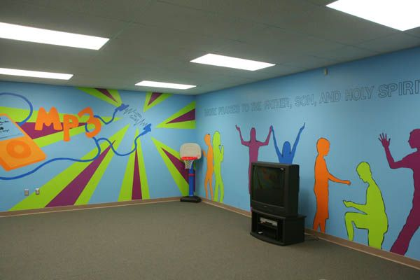 Youth rooms on pinterest 61 pins for Small room youth group games