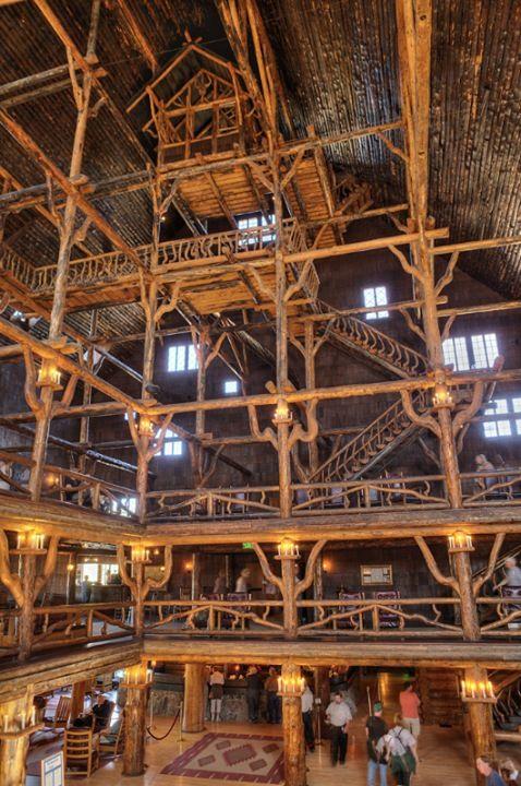 Tallest Log Cabin Yellowstone Vacation Yellowstone Old Faithful