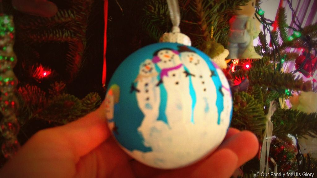 The perfect Christmas craft for little kids I made a hand print