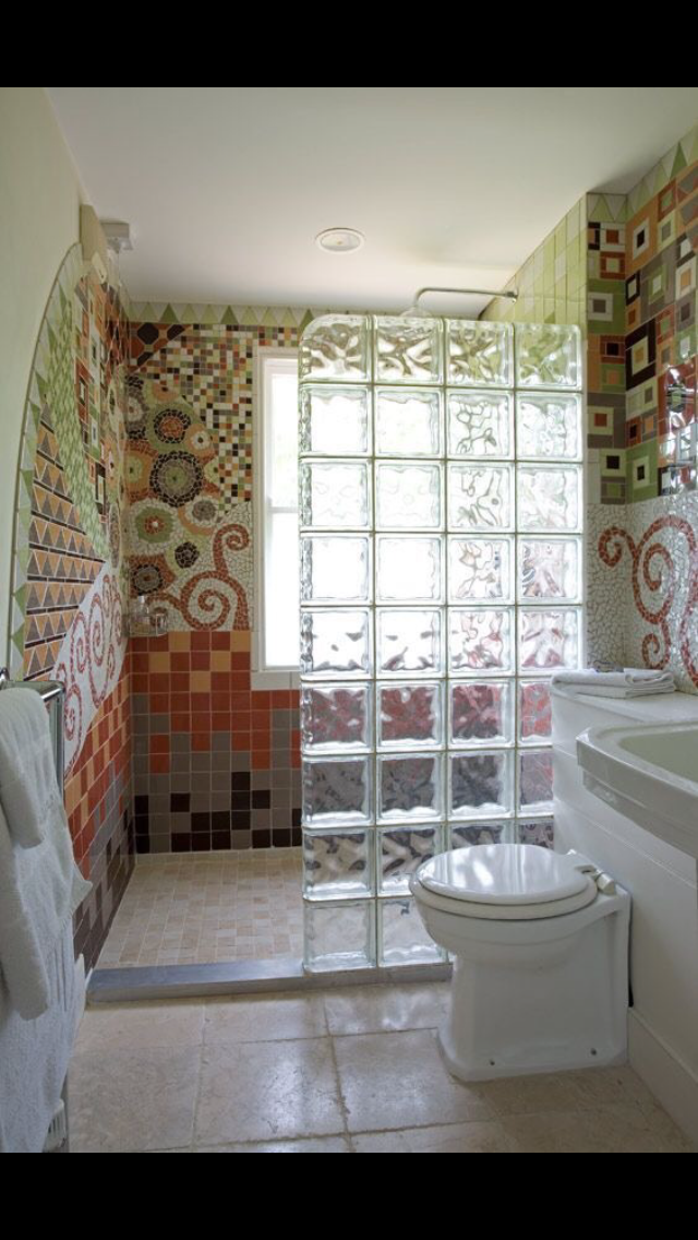 Pin De Cris Robe Em Banheiros Com Imagens Banheiros Modernos Banheiro De Tijolo Bloco De Vidro